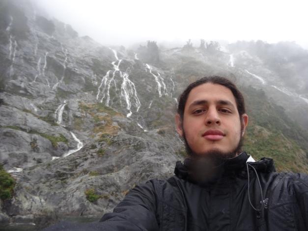 Muchas cascadas y ríos